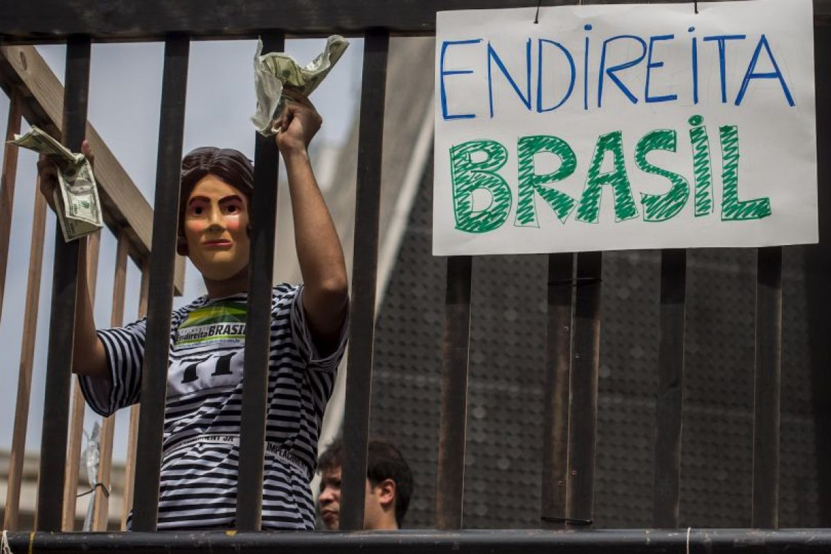 La postura del gobierno fue criticada por el senador Aécio Neves (PSDB-MG), candidato que disputó el cargo presidencial con Dilma en 2014. Foto:Getty Images. Imagen Por: