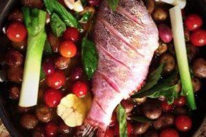 Se prepara con papas baby, aceitunas y tomates cherry. Foto:Jorge Rausch/Facebook. Imagen Por: