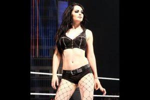 Ella tiene 22 años, siete menos que el músico Foto:WWE. Imagen Por: