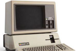 Apple III fue el orientador de negocios personal que esta empresa creó en 1980. Su torpeza y mal diseño fue lo que lo llevó al olvido. Foto:Vía commons.wikimedia.org. Imagen Por: