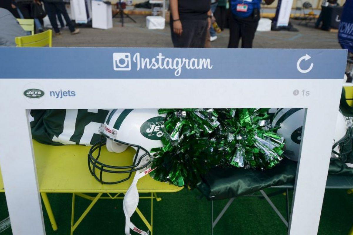 Instagram es mucho más sencillo, se basa en la publicación de fotos en tu perfil. Foto:Getty. Imagen Por: