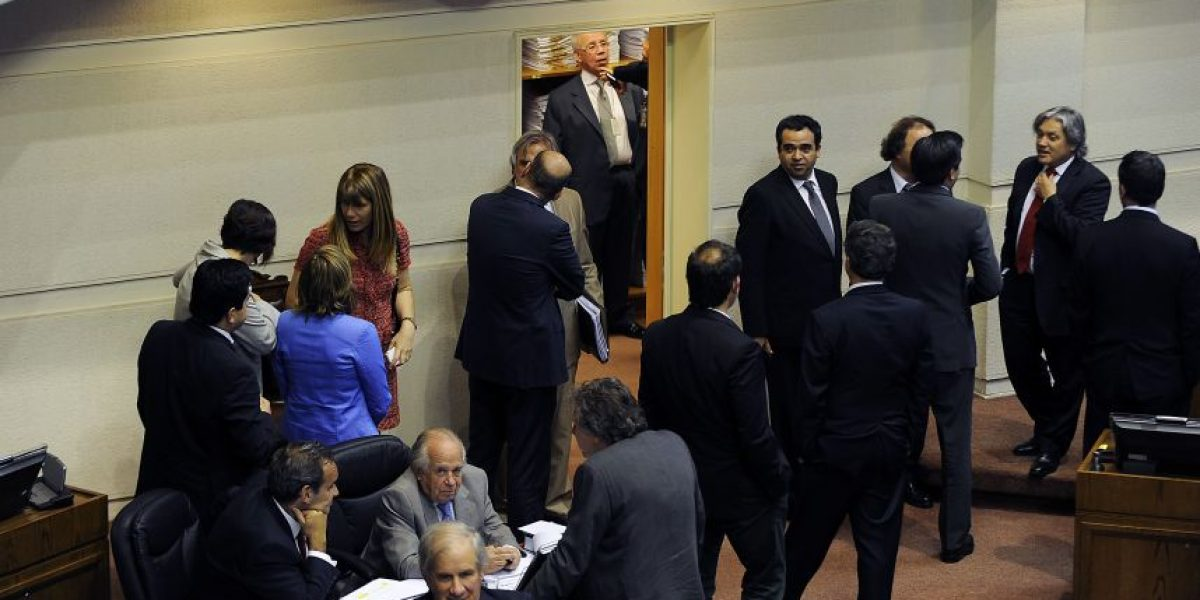 Diputados de la Nueva Mayoría presentan proyecto de ME-O que destituye parlamentarios