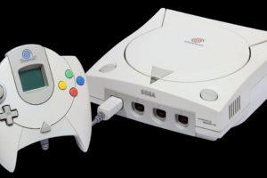 Sega Dreamcast. Lanzada el 27 de noviembre de 1998. Foto:Sega. Imagen Por: