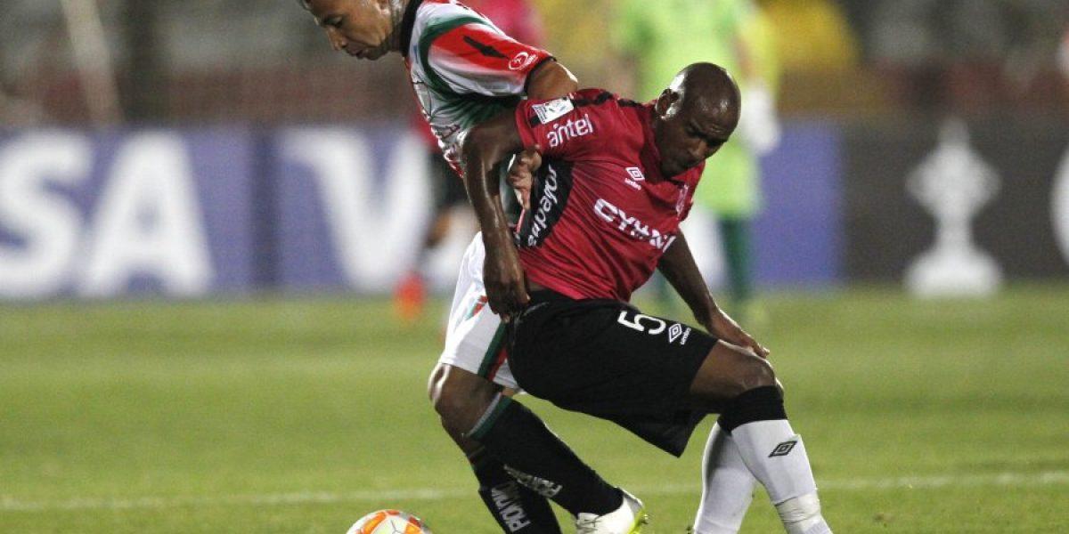 Un Palestino sin poder de fuego igualó ante Wanderers y quedó al borde de la eliminación