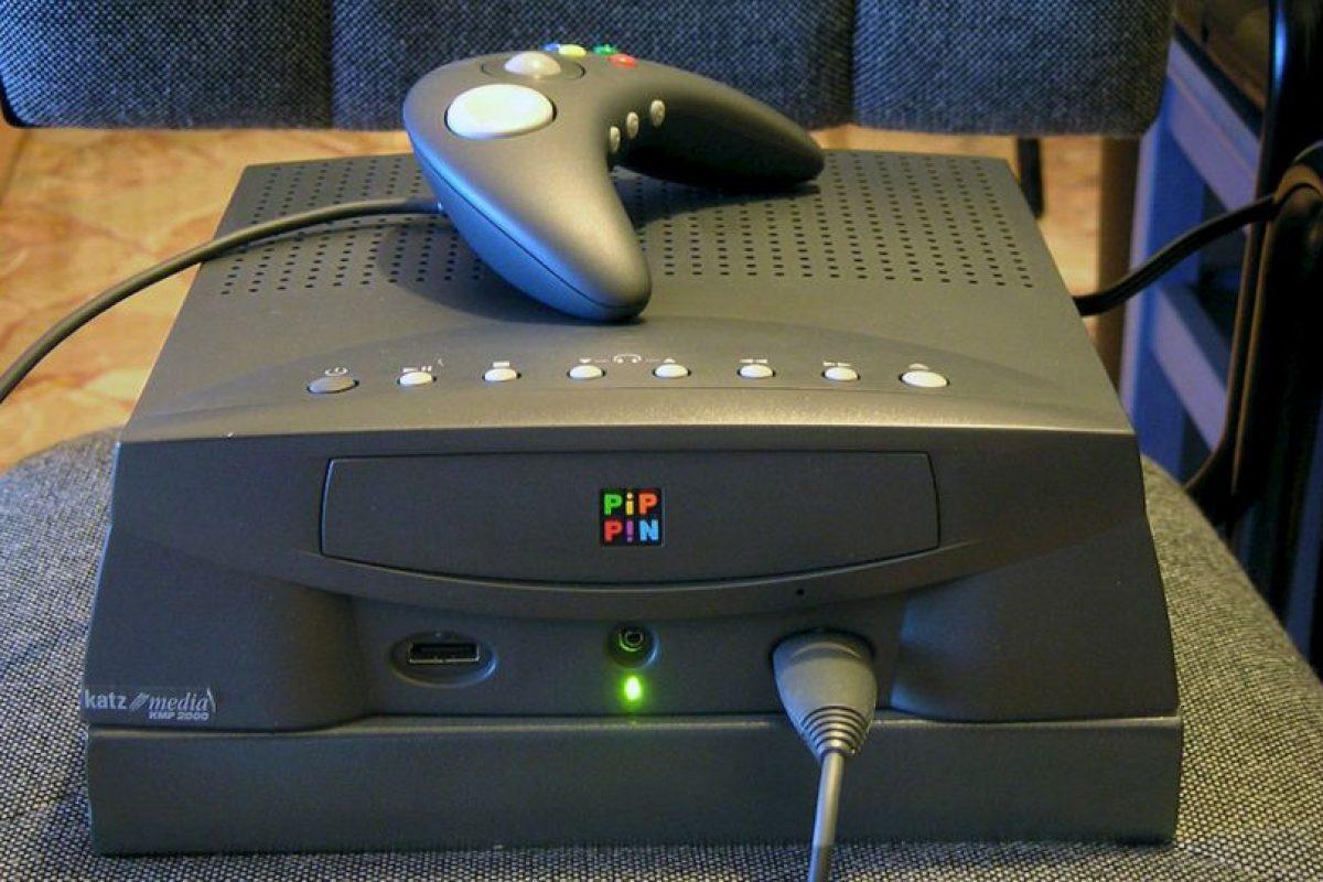 Este es Pippin, la consola de videojuegos de Apple. La verdad no existe ninguna comparativo con las consolas existentes en 1995. Foto:Vía commons.wikimedia.org. Imagen Por: