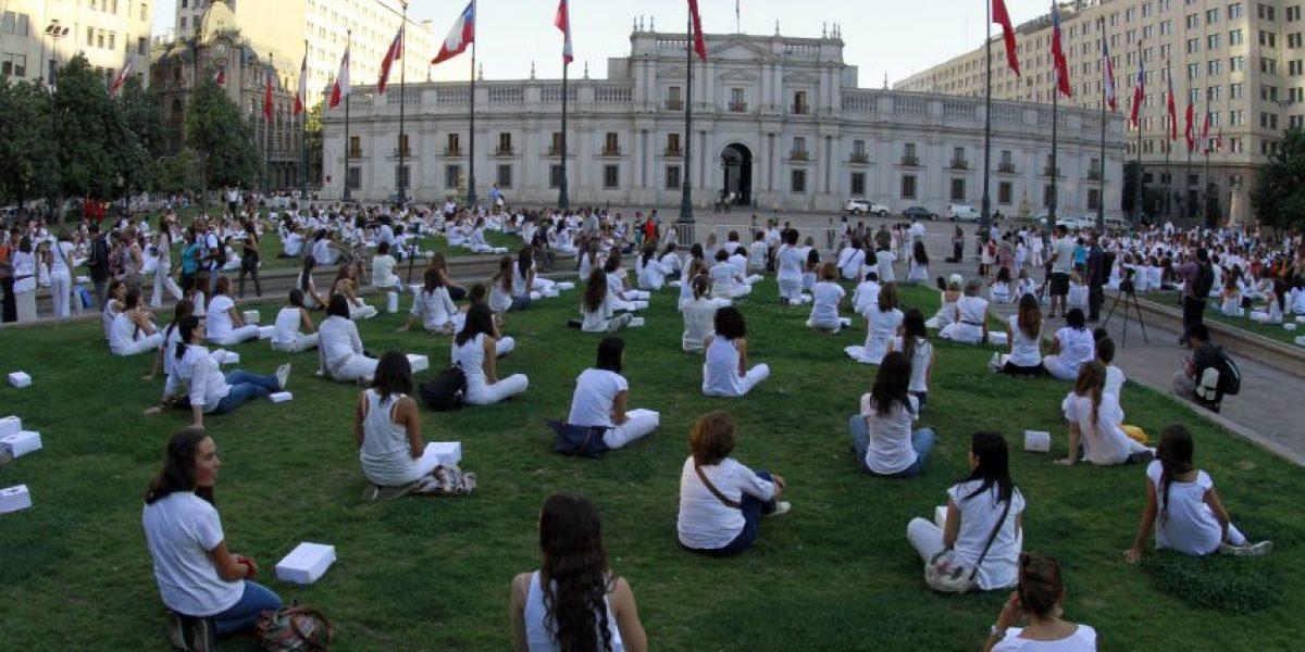 Fotos: Mujeres protestan en La Moneda contra proyecto que despenaliza el aborto