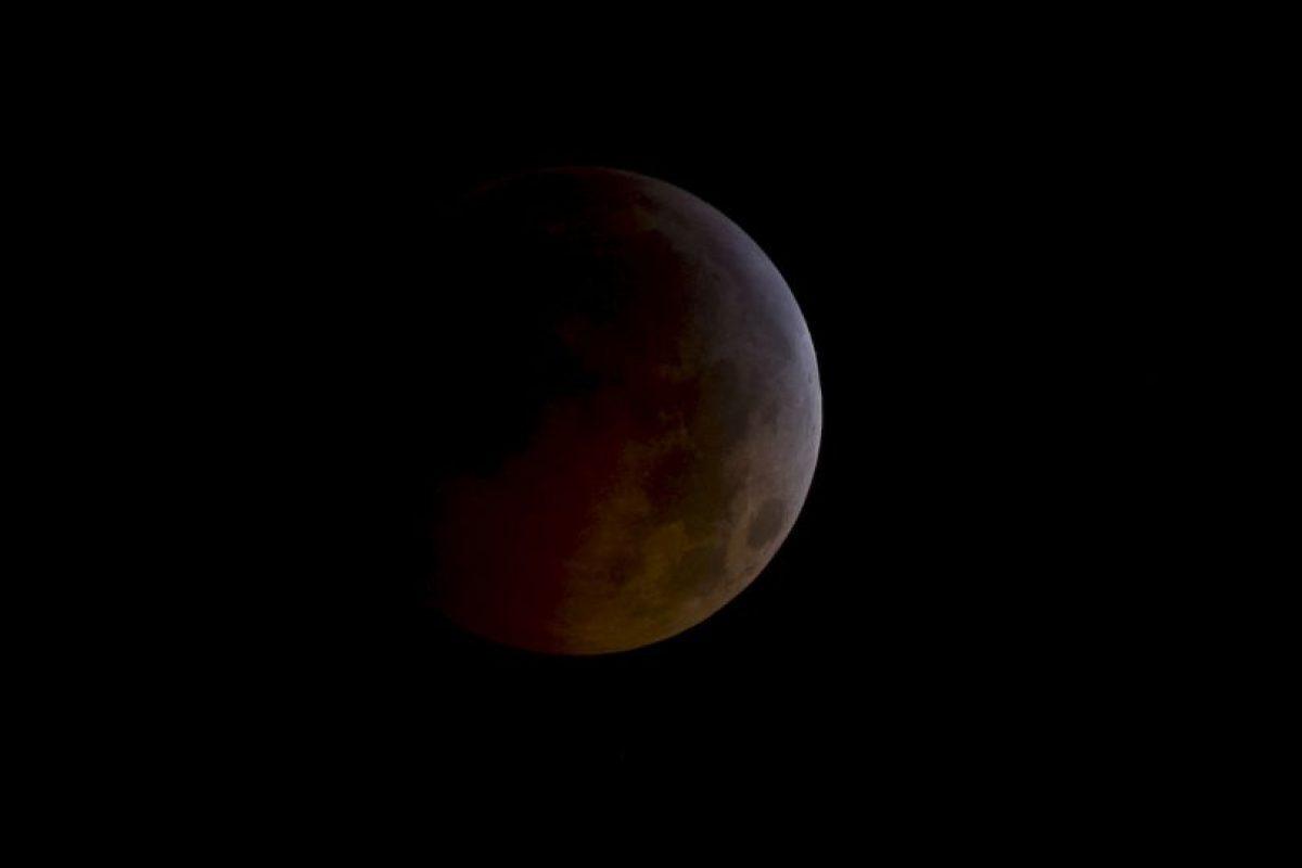 Acercamiento de un eclipse lunar desde el espacio. Foto:Getty. Imagen Por: