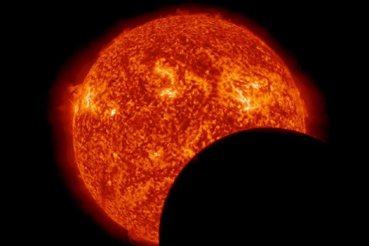 Fin de un eclipse solar desde el espacio. Foto:Vía http://www.nasa.gov/. Imagen Por: