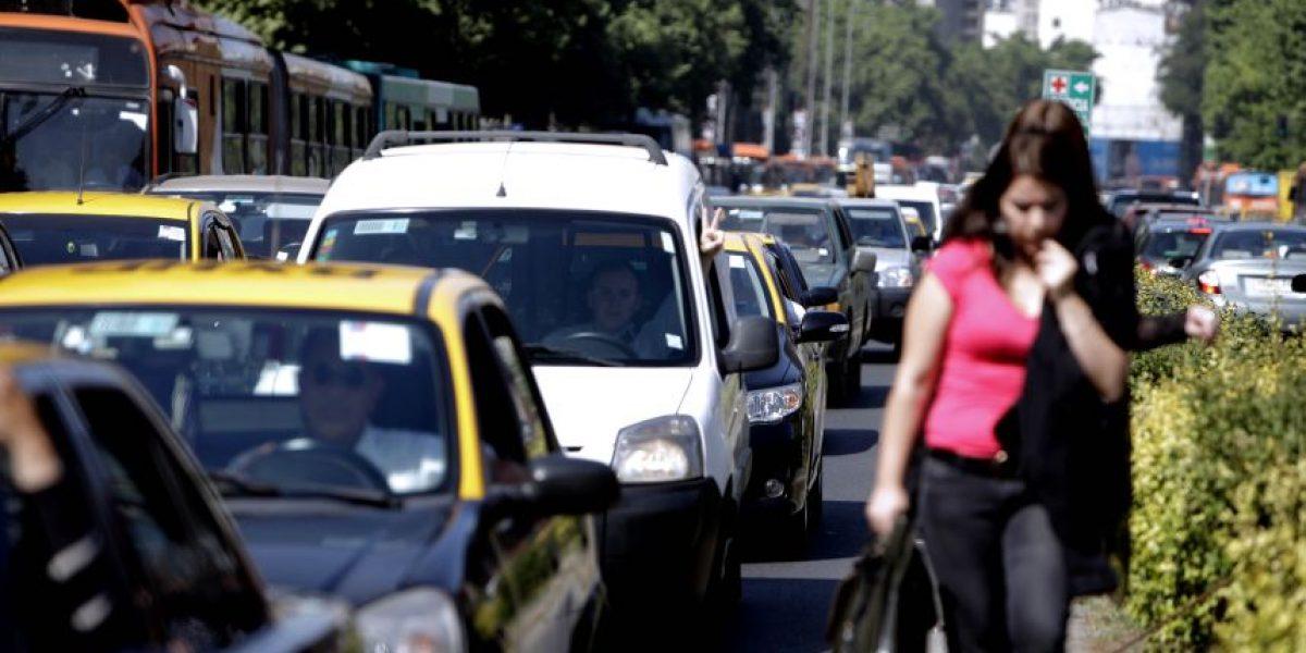 Santiaguinos retoman hábito de caminata para evitar estrés del transporte público