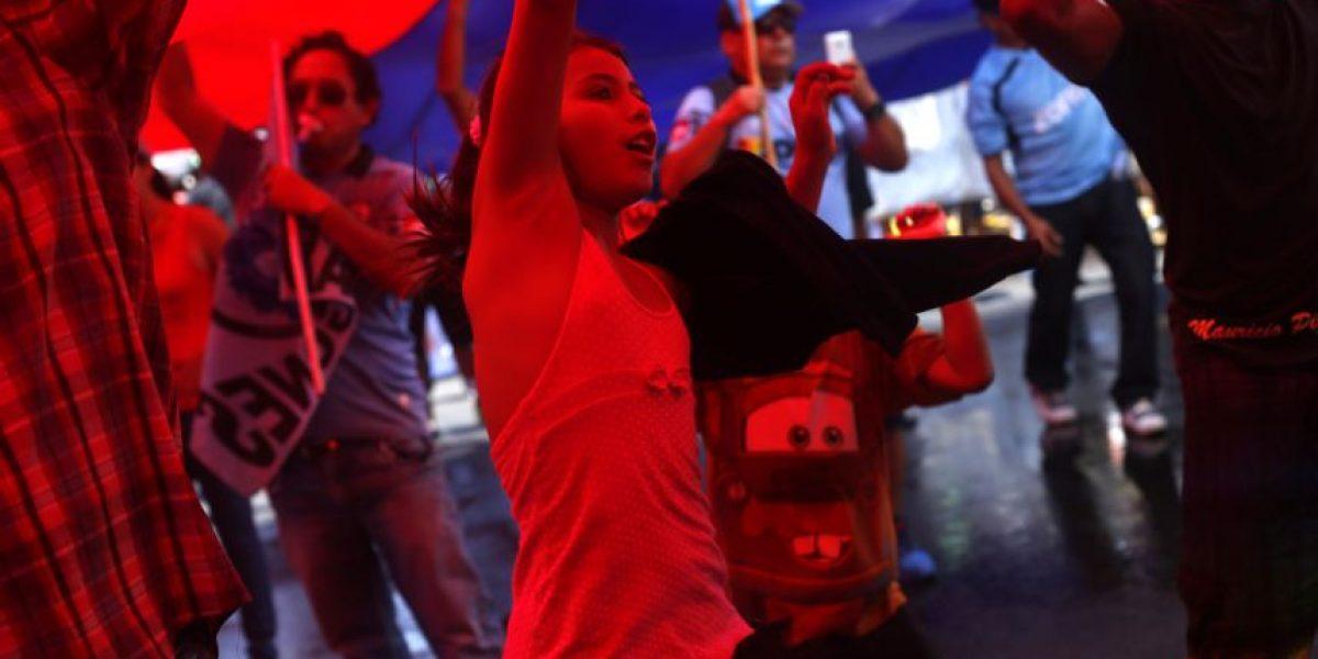 """Masiva marcha de """"indignados"""" de Iquique por atrasos en reconstrucción"""