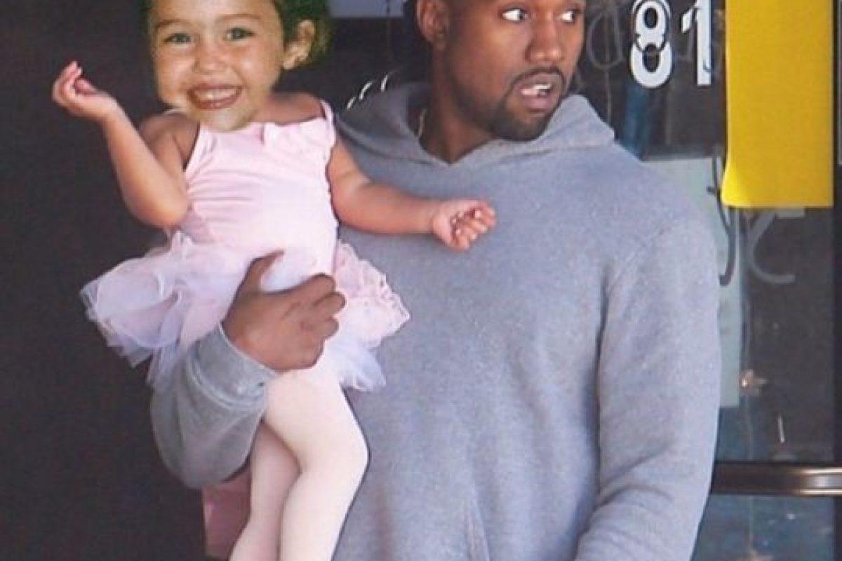 1.- La cantante ursurpó el lugar de North West, mientras su padre, Kanye West la llevaba a sus clases de ballet. Foto:Instagram @mileycyrus. Imagen Por: