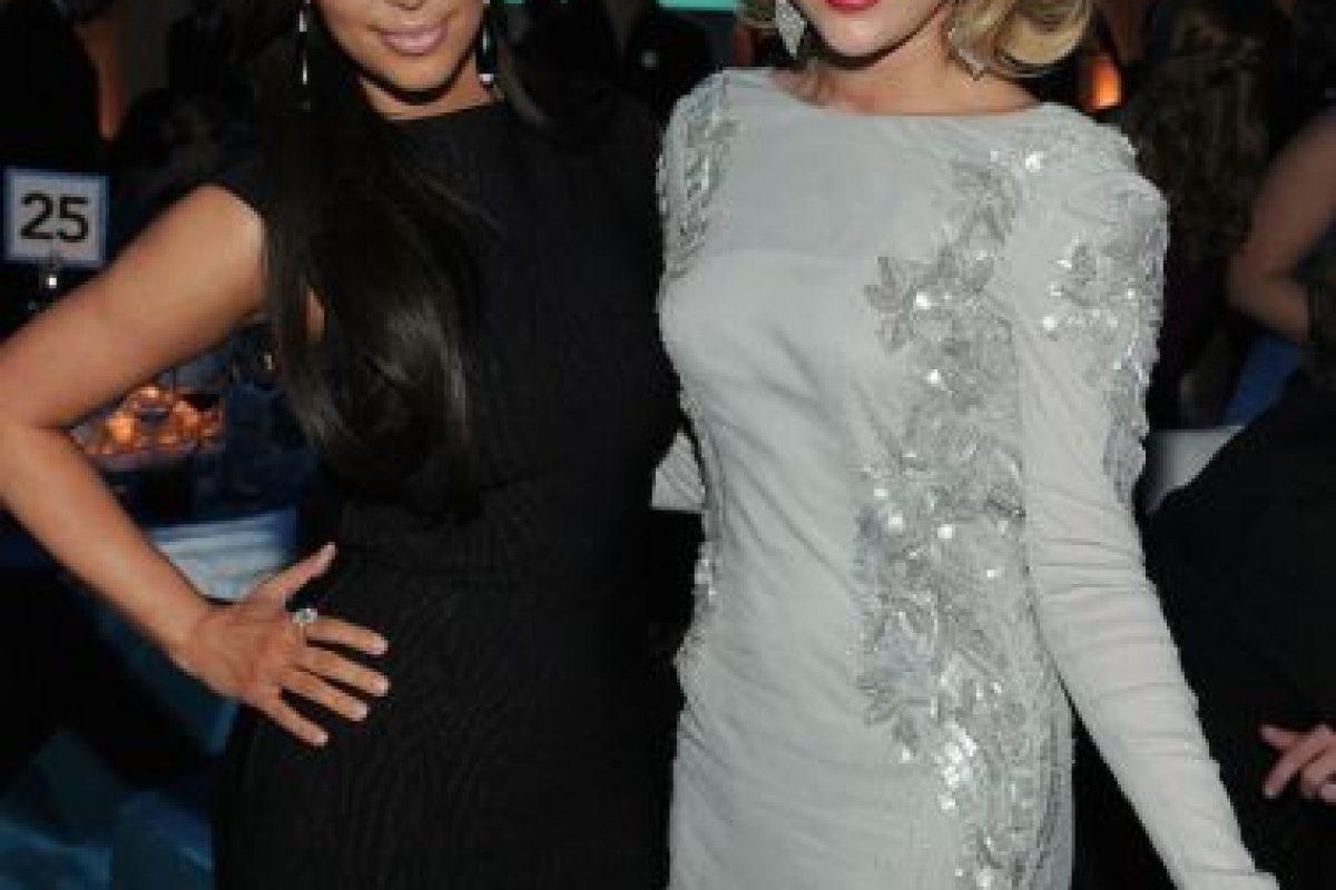 Miley Cyrus y Kim Kardashian Foto:Getty Images. Imagen Por: