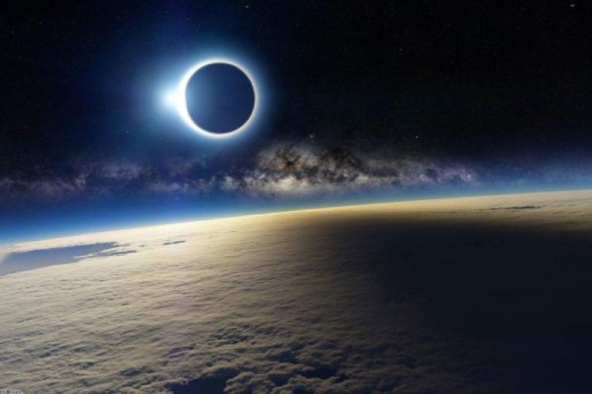 4. Difunden foto falsa de eclipse Foto:Twitter. Imagen Por: