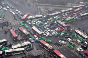 2. Realizar otro trayecto: Busquen una ruta menos congestionada Foto:Getty Images. Imagen Por:
