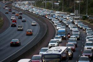 10. Controlar la temperatura dentro del automóvil: Un exceso de temperatura podría alterar su estado de ánimo Foto:Getty Images. Imagen Por: