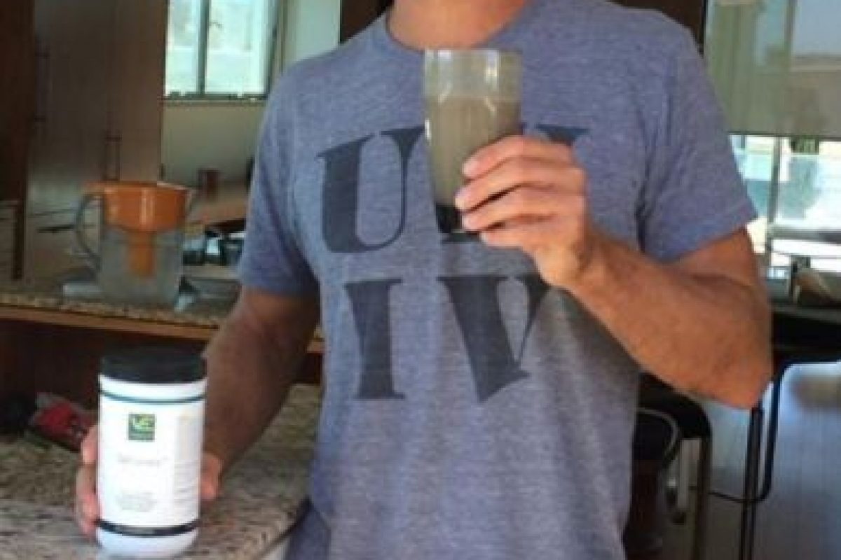 Tomando un jugo para comenzar bien el día. Foto:twitter.com/SteveNash. Imagen Por:
