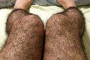 Medias peludas para que nadie las toque: el año pasado se popularizaron a través de la red social china Sina Weibo unos leggings que recreaban las piernas velludas de un hombre. Aptos para metros, o buses llenos. Foto:Weibo. Imagen Por: