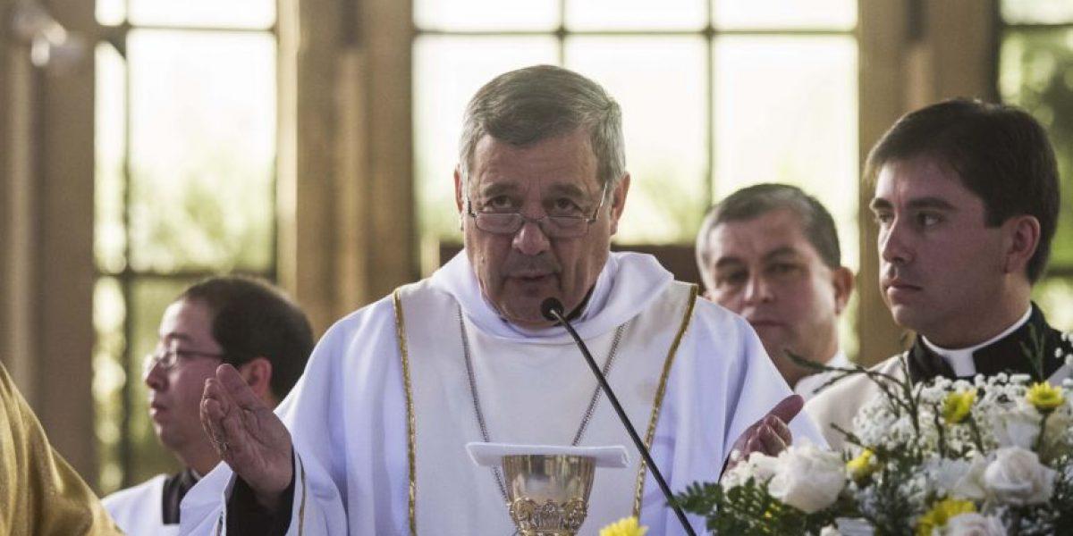 Cuestionado nuevo obispo de Osorno no asiste a primera misa tras polémica toma de posesión