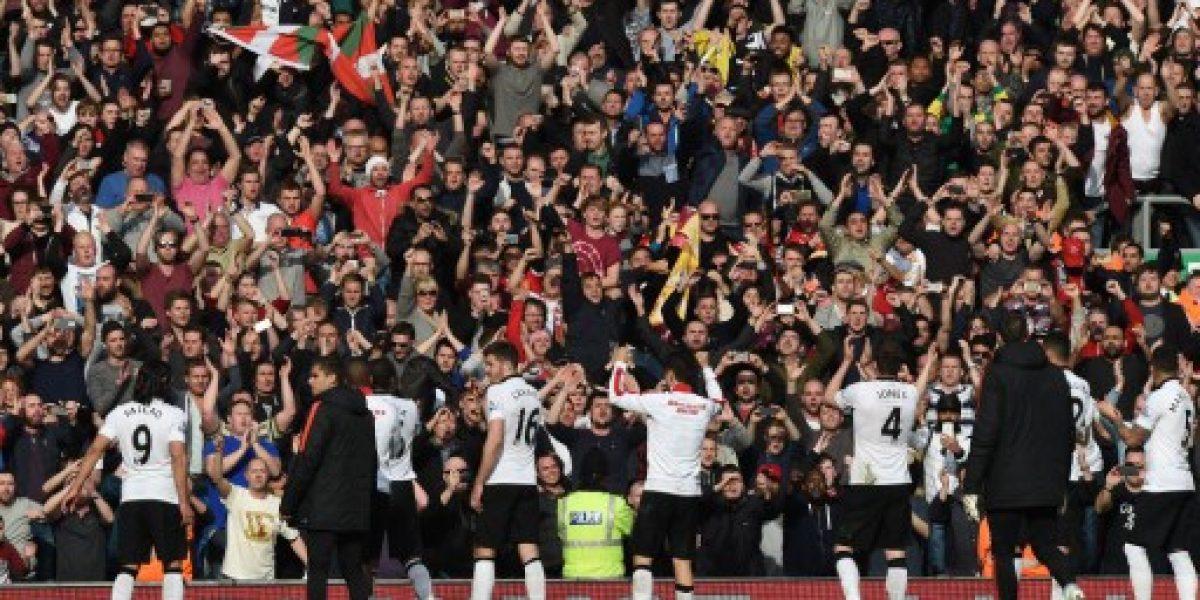 Un iluminado Juan Mata le permitió a Manchester United vencer a domicilio a Liverpool