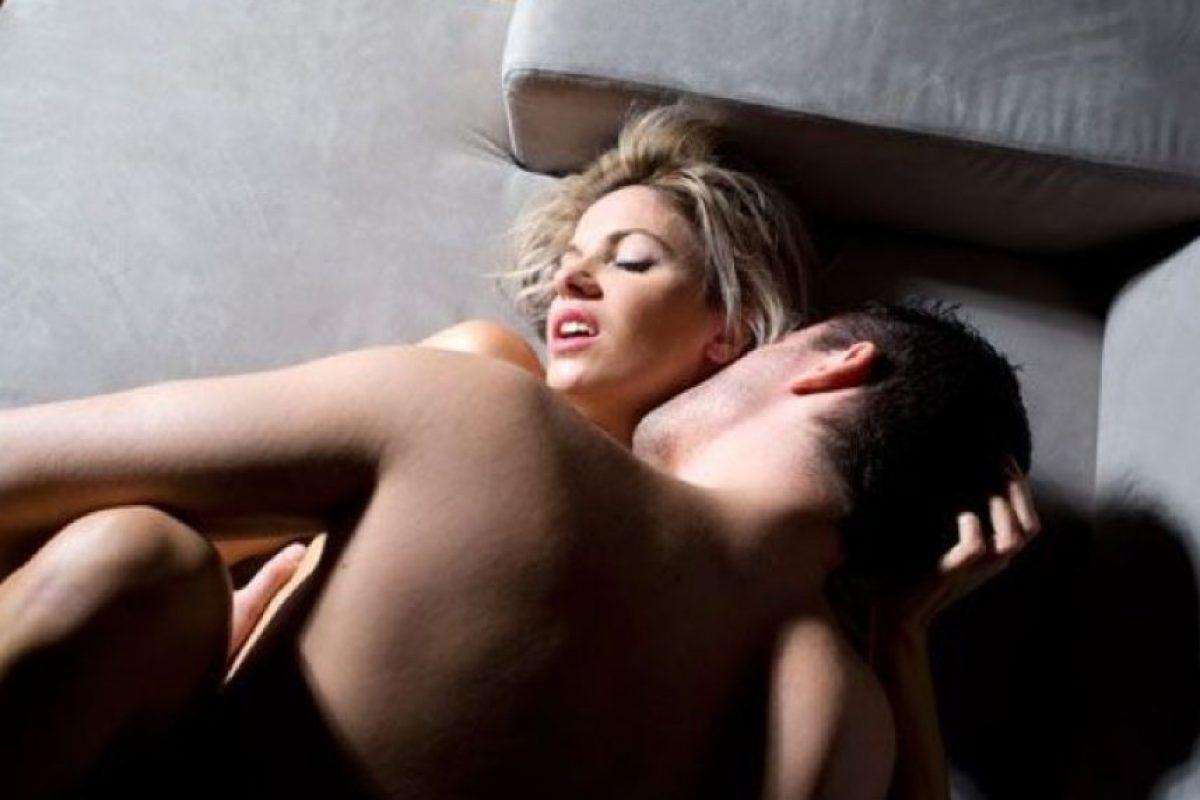9. En esta fase también se cierra el esfínter interno de la vejiga, para impedir que el semen vaya hasta ella y evitar que con la eyaculación se produzca también la micción. La Glándula de Cowpe r segrega un líquido con el objetivo de limpiar la uretra de restos de orina. Foto:Tumblr.com/Tagged-sexo-pareja. Imagen Por:
