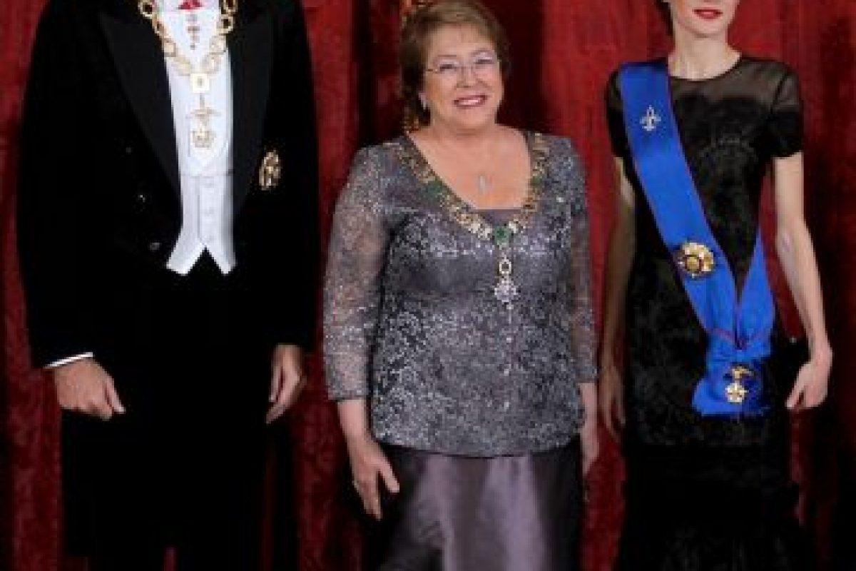 Con Felipe VI y la Reina Letizia Foto:Getty Images. Imagen Por: