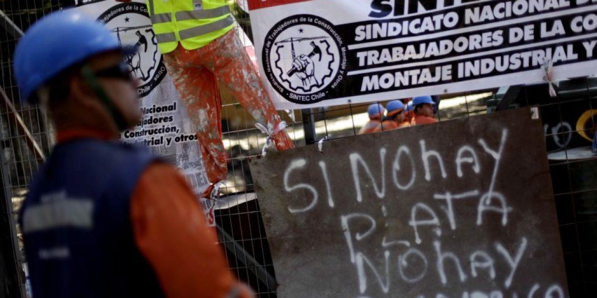 Trabajadores vuelven a paralizar obras en estadio sede de la Copa América