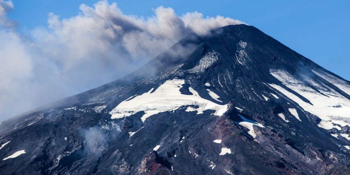 Clases en Pucón se suspenden indefinidamente por actividad del volcán Villarrica