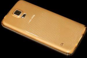 """Así lucirá el Samsung Galaxy S6 después de ser """"enchulado"""". Foto:goldgenie.com. Imagen Por:"""