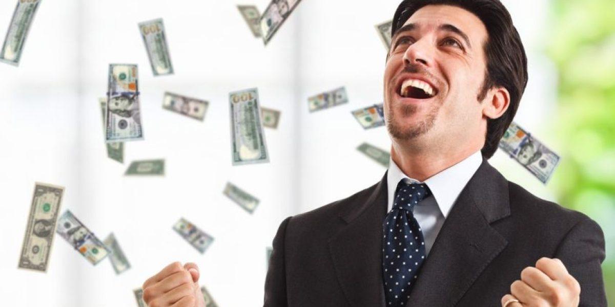 Insólito error del banco: De un día para otro tenía 1.3 millones de dólares en su cuenta