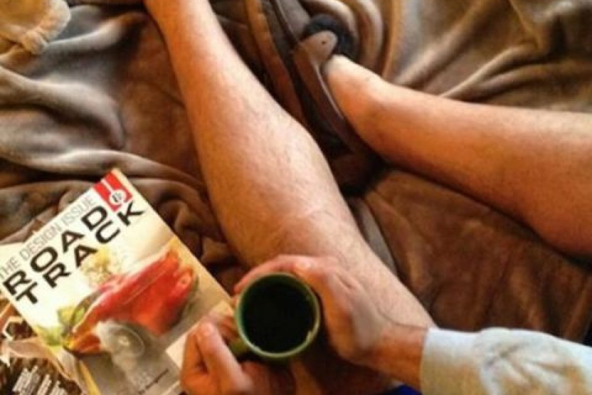 La que presume sus lecturas y lo bien que se la pasa en casa Foto:We Know Meme. Imagen Por: