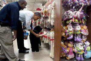 Obama consiente a su perro Foto:Getty Images. Imagen Por: