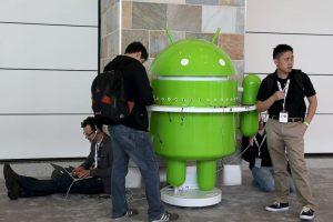 Un fallo de seguridad en Android provocó que mucho usuarios dieran cuenta que las conversaciones grabadas en la microSD pueden estar al alcance de las aplicaciones ajenas. Foto:Getty. Imagen Por: