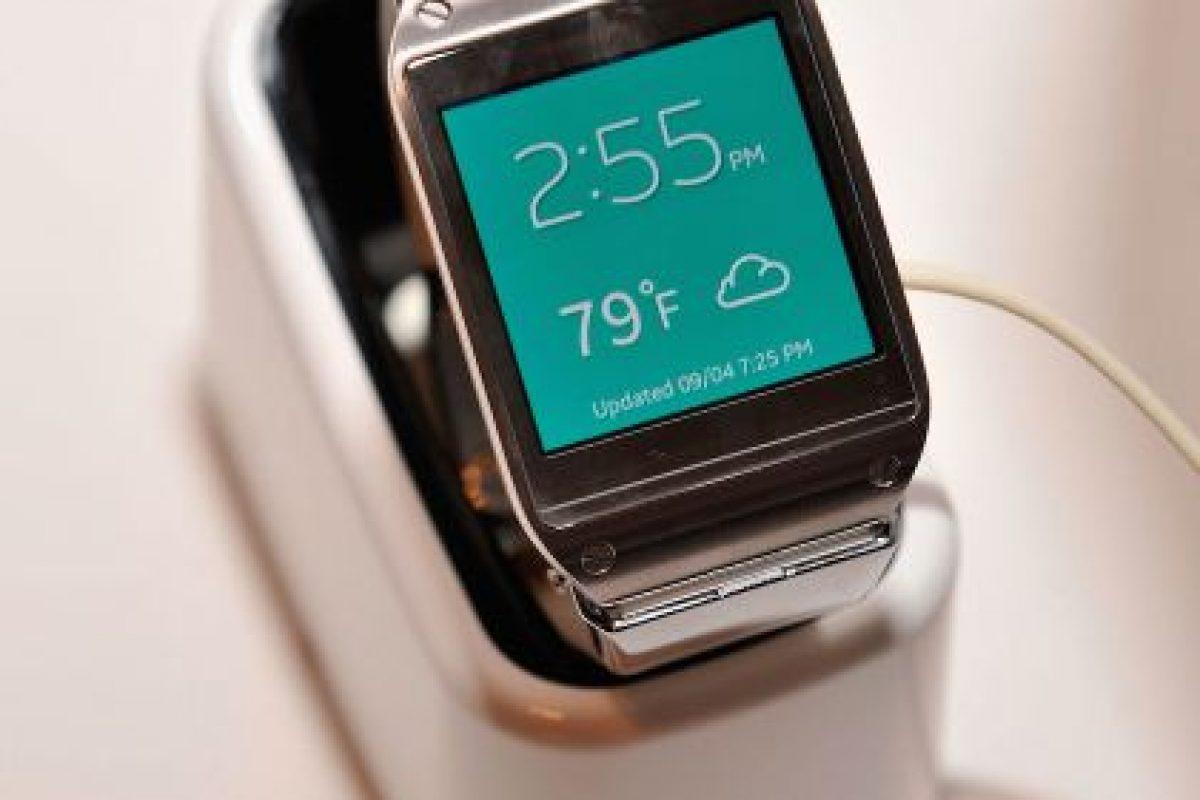 Este es el Modelo de Samsung Galaxy Gear con pantalla Super AMOLED. El display te permite un mejor control de las funciones. Foto:Getty. Imagen Por: