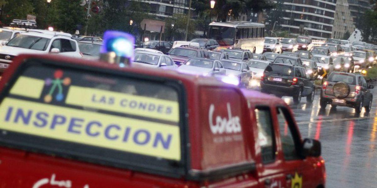 Santiago colapsa con primera lluvia de otoño