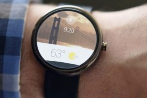 Moto 360 es el reloj más avanzado por parte de Android Wear. Cuenta con conexión Wifi y aplicaciones para la oficina y el hogar. Foto:Getty. Imagen Por: