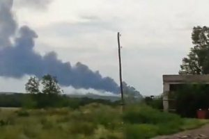 295 personas murieron abordo en el avión que cayó en la frontera entre Rusia y Ucrania. 280 eran pasajeros y 15 eran miembros de la tripulación. Foto:Twitter @wrecktify. Imagen Por: