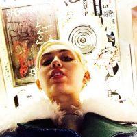 . Imagen Por: Instagram @Mileycyrus