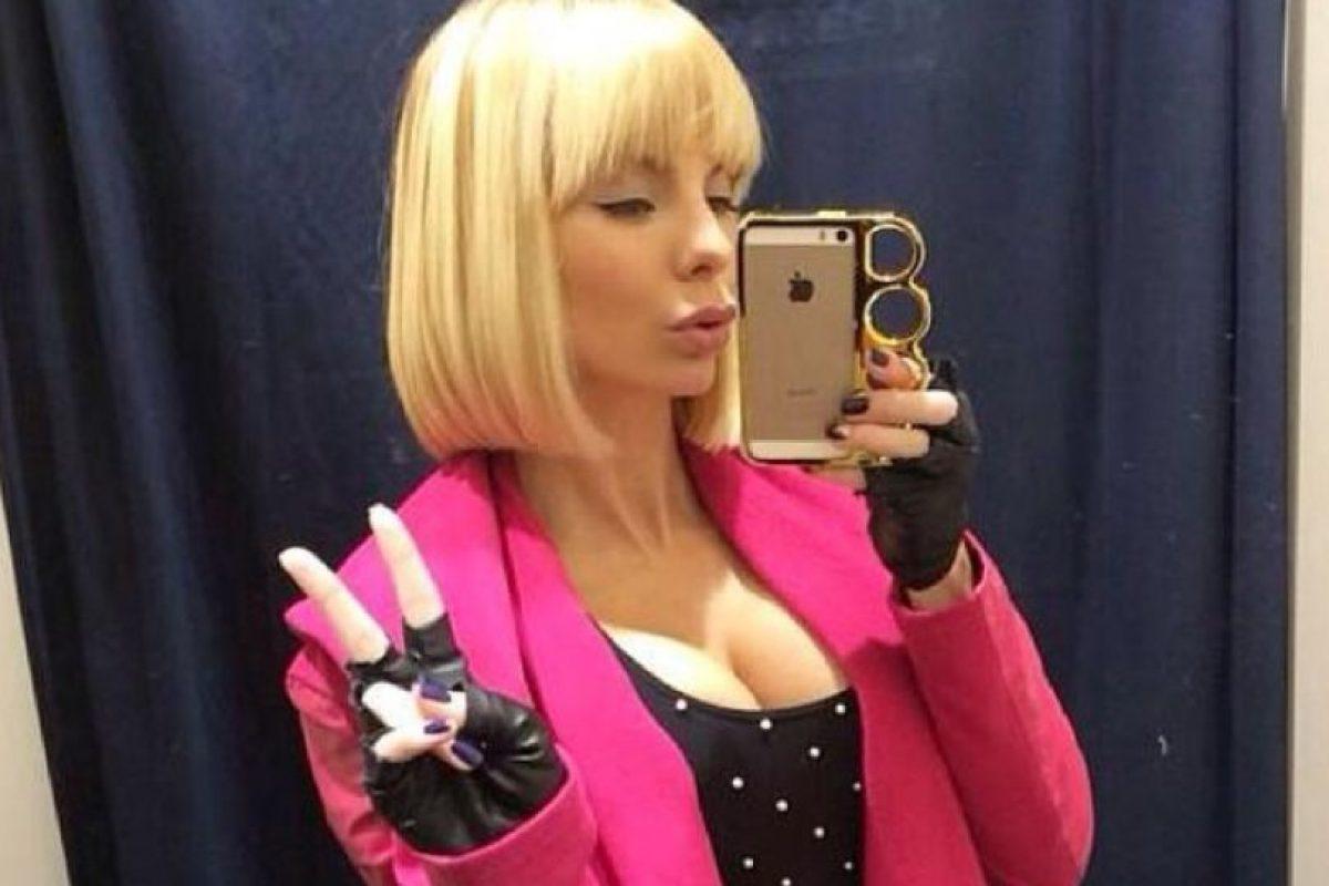 La ucraniana de 32 años confesó en entrevista al sitio Fashionism que su marido siempre se mostró orgulloso de su cuerpo. Foto:Vía Facebook XoxoAlenaPo. Imagen Por: