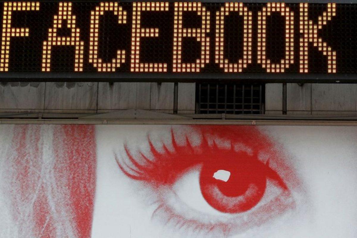 El 23 de marzo de este año, se reveló que Facebook tiene fallos en seguridad. La empresa contrató a especialistas para corregir el daño. Foto:Getty. Imagen Por: