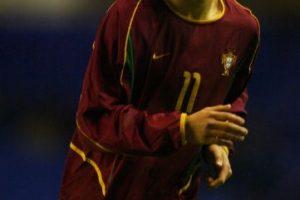 Así lucía Cristiano la primera vez que vistió el uniforme de Portugal en 2003. Foto:Getty Images. Imagen Por: