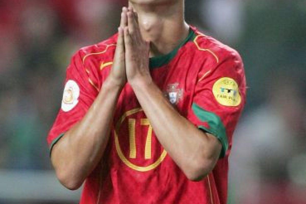 El cual también vistieron en la Eurocopa 2004. Foto:Getty Images. Imagen Por: