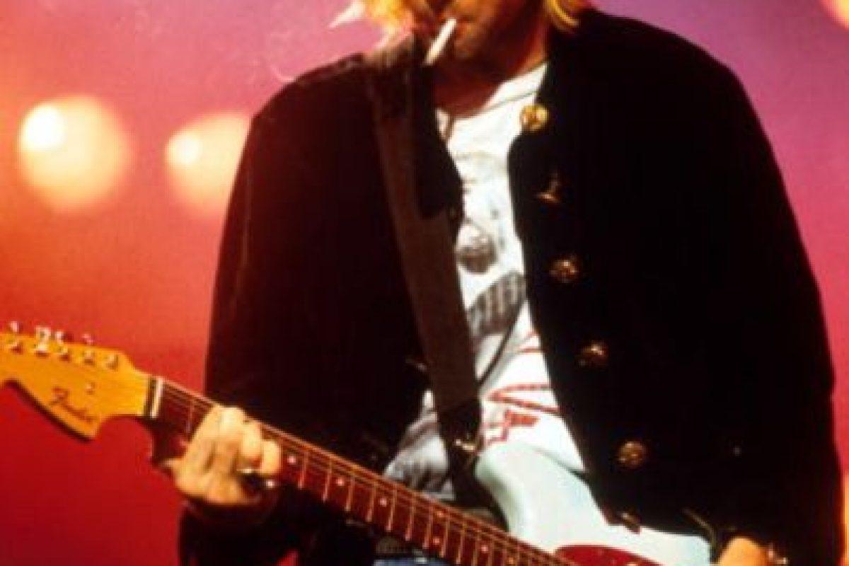 """En una entrevista exclusiva para SModa, magazine perteneciente al periódico El País de España, se aclararon varios puntos que parecen decir """"la verdad"""" sobre la historia de Cobain. Foto:Getty Images. Imagen Por:"""