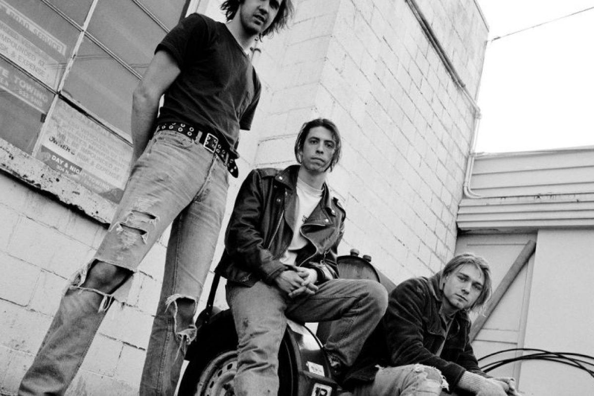 Esto desembocó en su primer intento de suicidio. Foto:Nirvana/Facebook. Imagen Por: