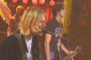 Según las grabaciones donadas por la familia de Cobain, el cantante cuenta que lo hizo con una mujer con deficiencias mentales. Foto:Nirvana/Facebook. Imagen Por: