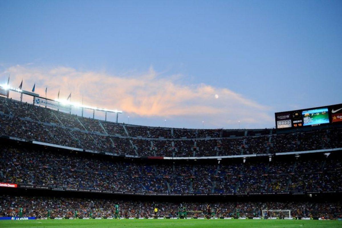 Inaugurado en 1957, actualmente, el Camp Nou tiene una capacidad para más de 99 mil espectadores. Foto:Getty Images. Imagen Por: