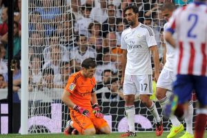 En el derbi de Madrid, Iker Casillas fue señalado por errores en mínimo, dos goles. El primero, en un tiro de larga distancia de Tiago que parecía fácil de detener, y el segundo, en el tanto marcado por Saúl Ñíguez. Foto:Getty Images. Imagen Por: