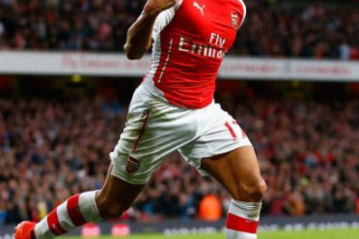 Aunque este 2015 bajó su nivel, su inicio de temporada fue asombroso. Alexis fue el único jugador del Arsenal que brilló durante los momentos difíciles del equipo. Colaboró con goles y asistencias, y quién sabe dónde estarían los 'Gunners' sin sus grandes actuaciones. Foto:Getty Images. Imagen Por: