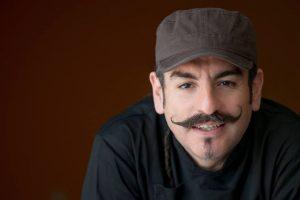 El chef mexicano Aquiles Chávez nos habló sobre su receta más famosa de preparar ceviche. Foto:La Fisheria. Imagen Por: