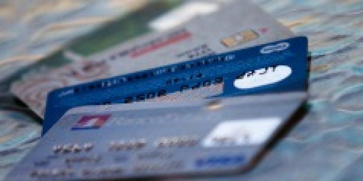 Informe alerta sobre endeudamiento en mujeres y adultos mayores