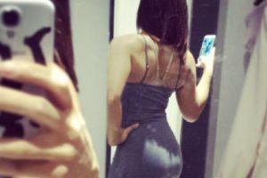 3. Todo vestido que se coloquen se subirá irremediablemente en la parte de atrás, lo que conllevará que usen a su modista de cabecera. Foto:Instagram.. Imagen Por: